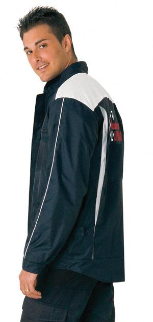 Avec son tissu de qualité supèrieure, ce vêtement pour ambulancier est confortable.